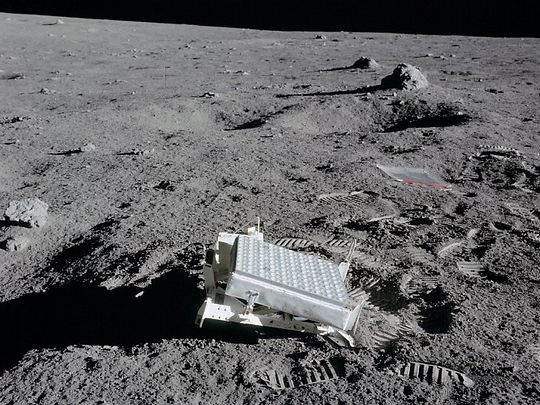 Apollo_14_Lunar_Ranging_Retro_Reflector-
