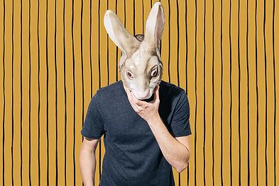 L'homme avec masque
