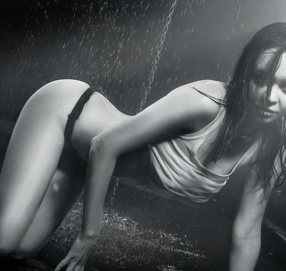 wet-girl-1390625.jpg