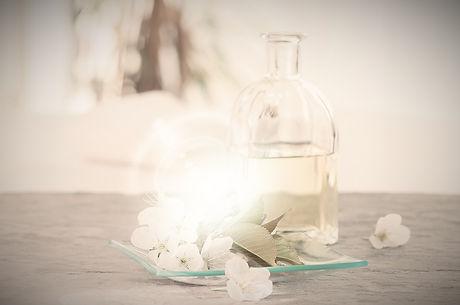 Aromatherapy%20Oil_edited.jpg