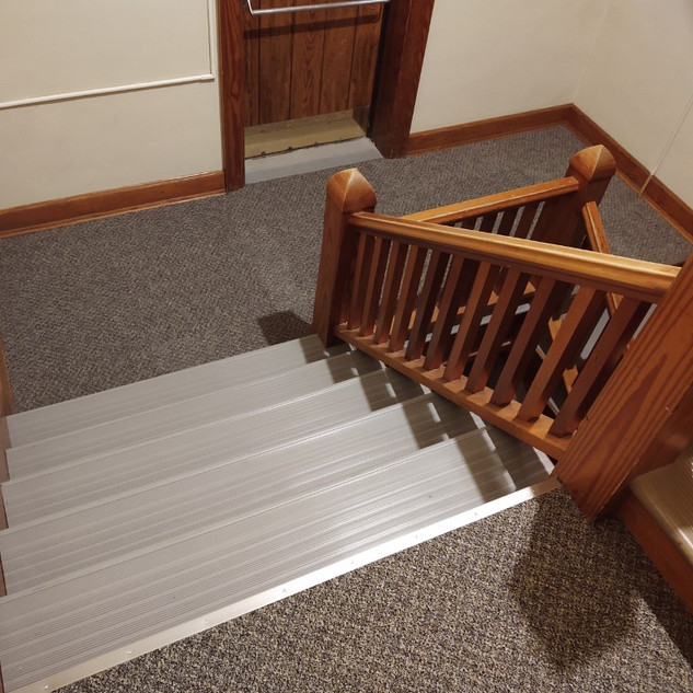 side stairwell recarpeted