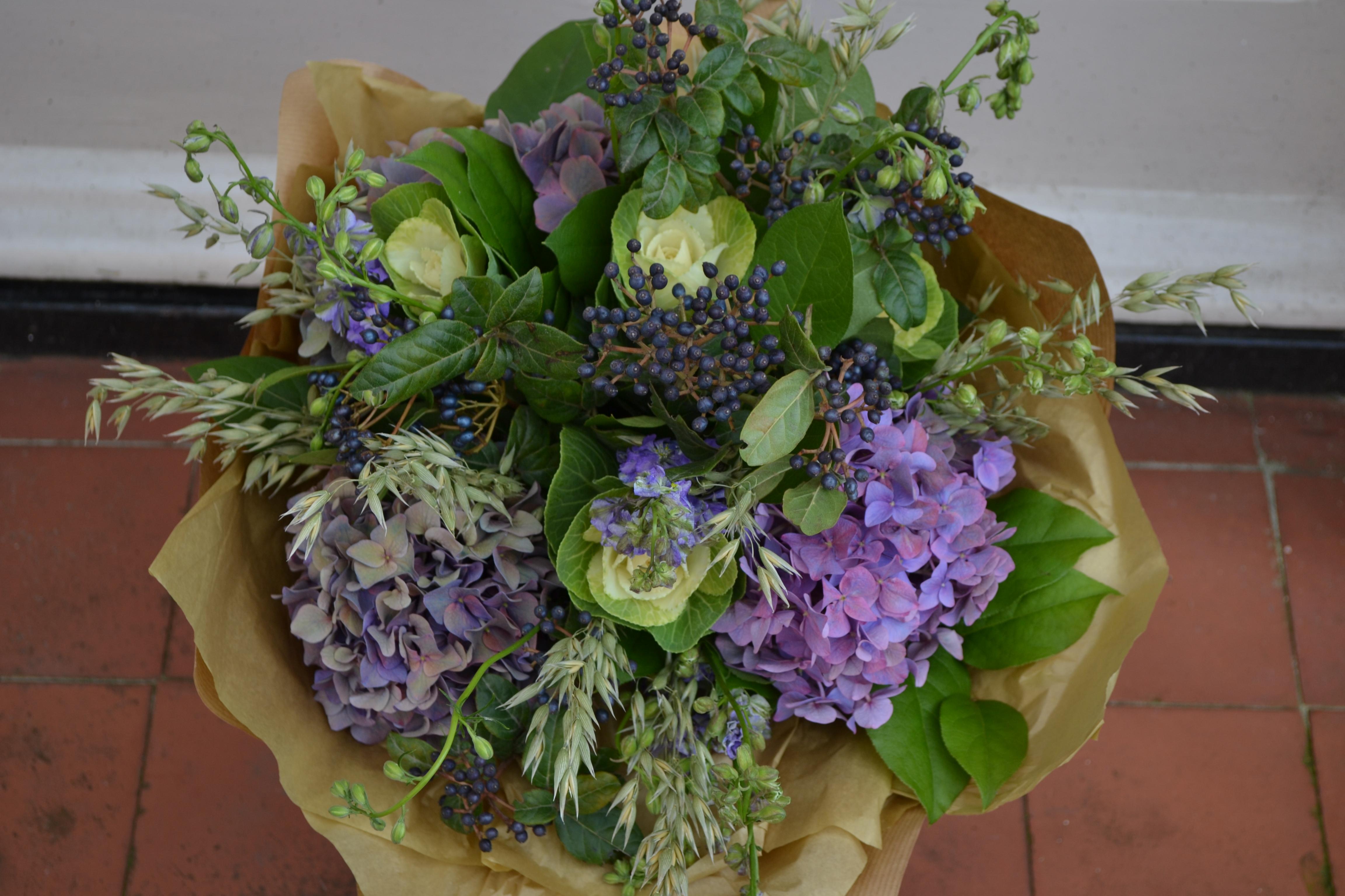 Flora_&_Nora_Purple_Handtied_Bouquet