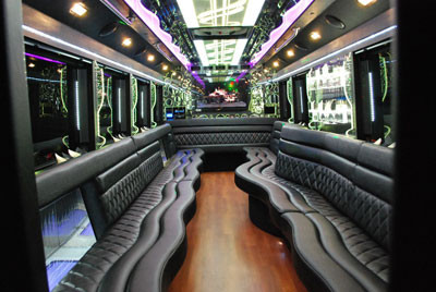 26 PASSENGER PARTY BUS WITH BATHROOM INT