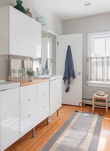 We base our kitchen & bath designs on functionality, beauty, and reverence for the style of the home. We want these spaces to work for you, as well as bring you joy.