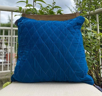 Velvet Quilted Throw Pillowcase (Peacock blue)