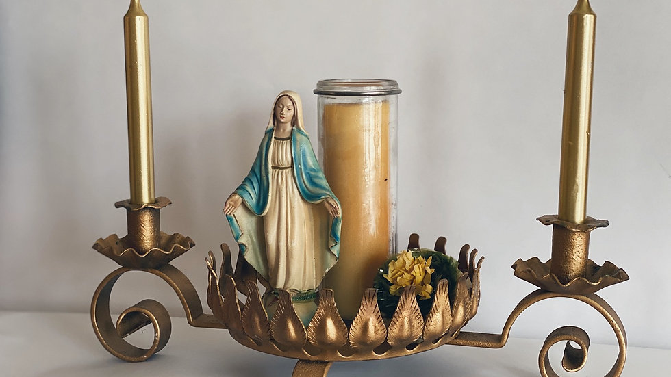 Gold metal candel holder