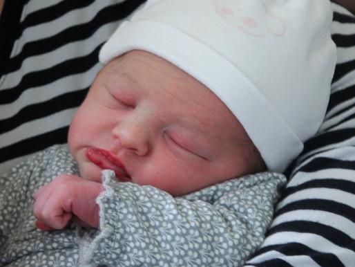 1 maand baby Isolde