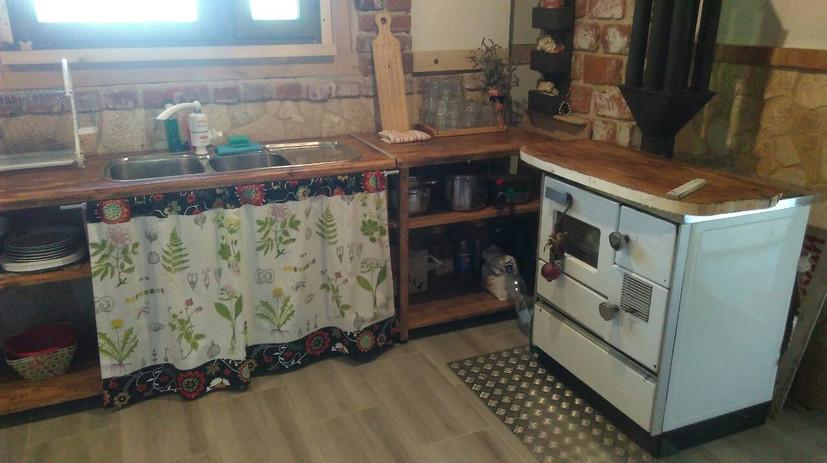 kitchen 1.3.jpg