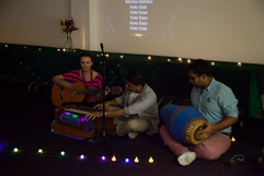 Hari leads a kirtan for students at UTS.
