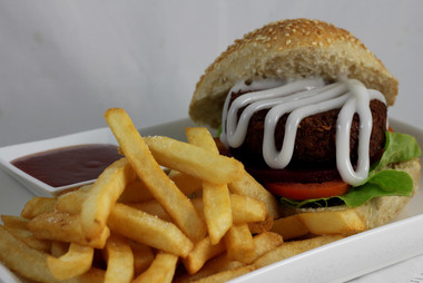 Vege burger and chips