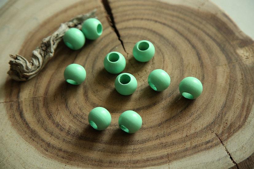 10 חרוזים למקרמה מעץ בצבע ירוק מנטה