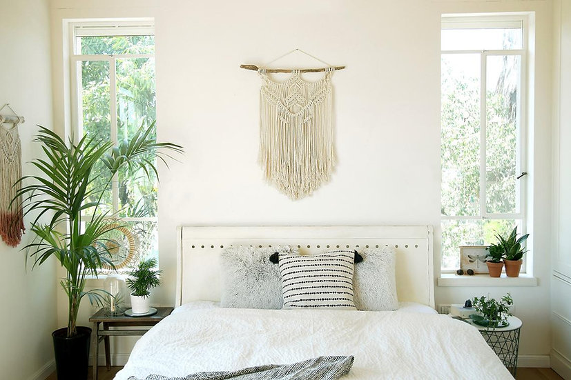 נומה-מתלה קיר בצבע טבעי על עץ סחף
