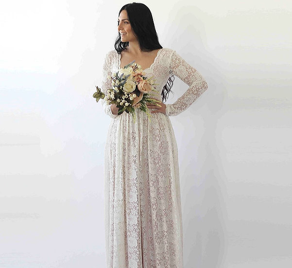 Curve & Plus Size Ivory Square Neckline Vintage Inspired Wedding Dress.