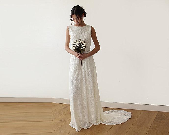 Sleeveless Cream backless lace maxi wedding dress with train 1180