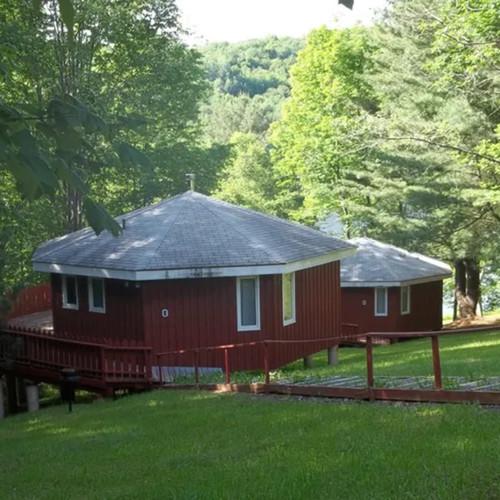 Cottages0-284bdd575056a36_284bddf9-5056-