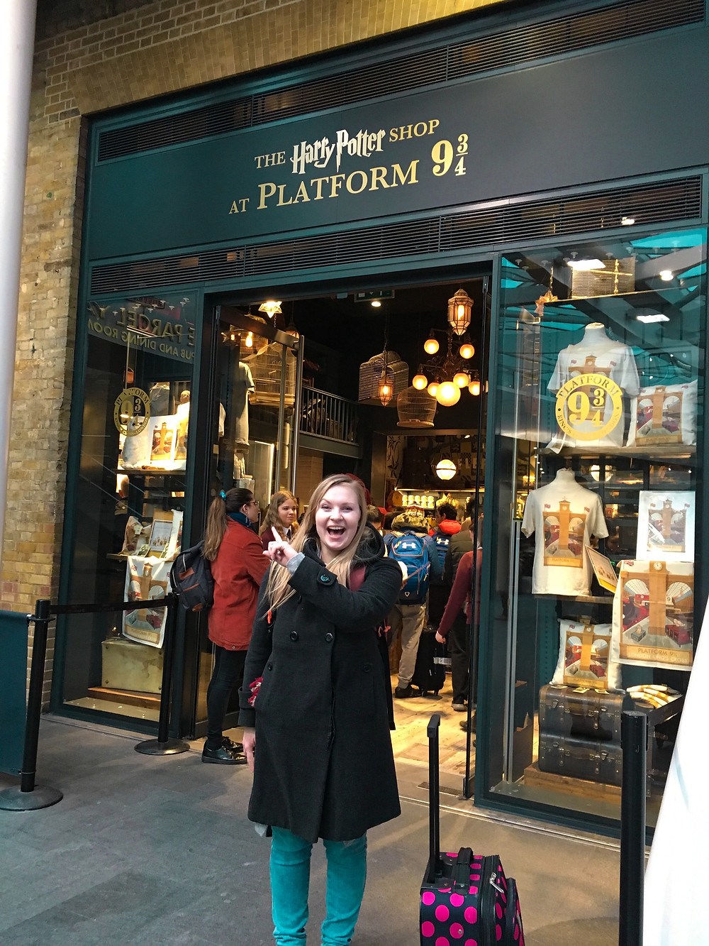 the harry potter shop at platform 9 3/4 in London