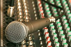 microphone-626032_1920_edited.jpg