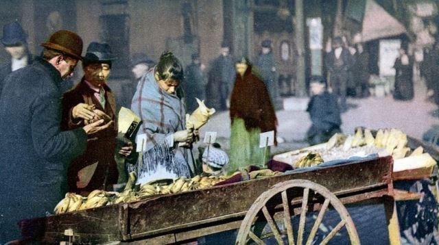 Повозка с бананами, Нью-Йорк, начало ХХ века.  Фото: mashable.com