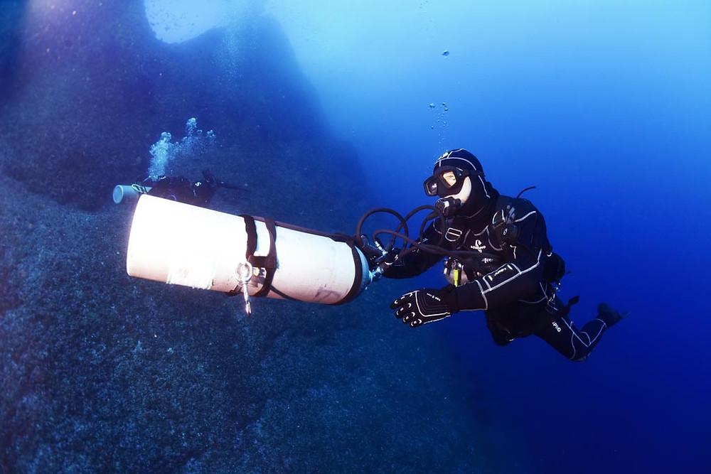 La plongée sidemount offre un vrai sentiment de liberté et permet d'apréhender l'exploration sous-marine autrement