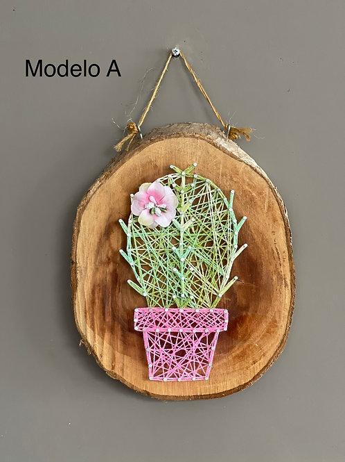 Adorno en Madera con diseño de Cactus