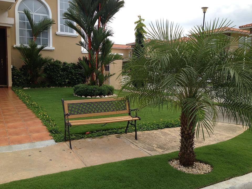 Dise o y construcci n de jardines en panam landscape for Piedra blanca para jardin precio