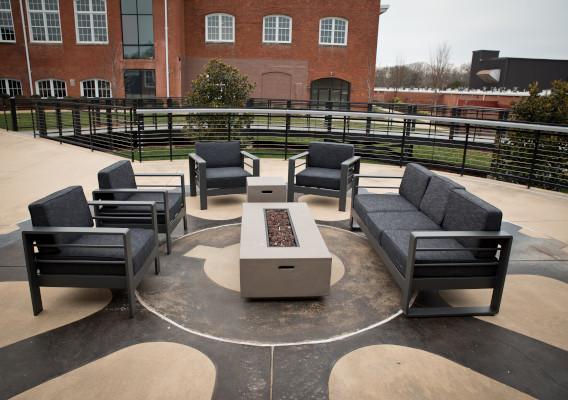slide_3-outdoor-seating.jpg