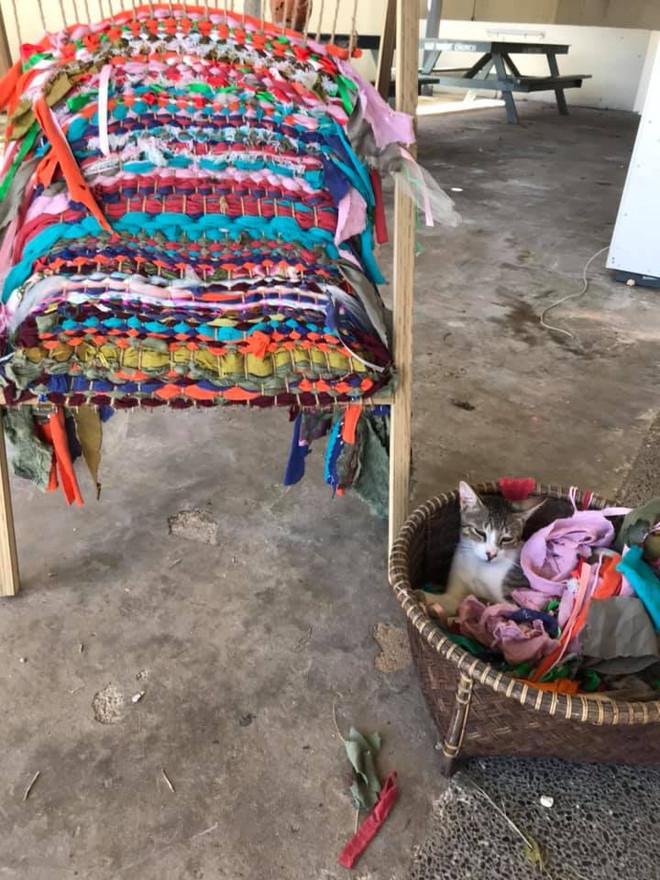Weaving Work LE