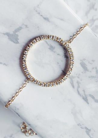 Braccialetto in oro giallo con macro cerchio di diamanti