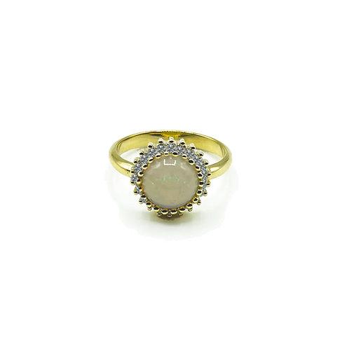 Anello in oro con opale e diamanti