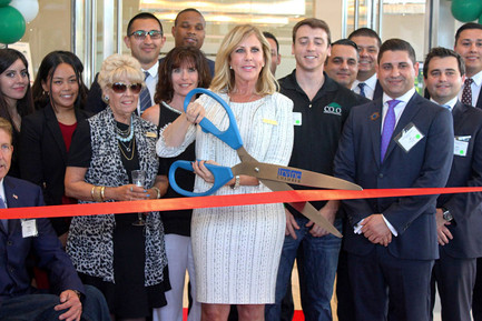Vicki Gunvalson Opens New Coto Financial In Irvine, California