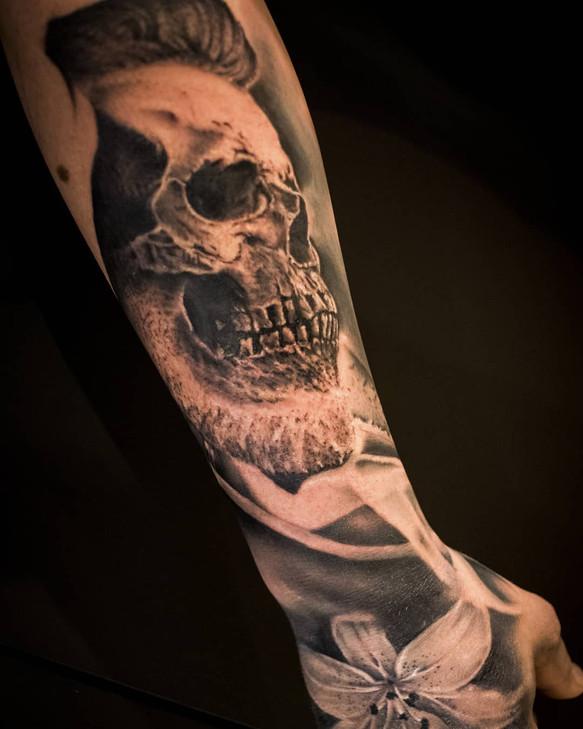 tatouage de crane réaliste