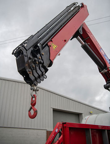 Retractable Vehicle Crane
