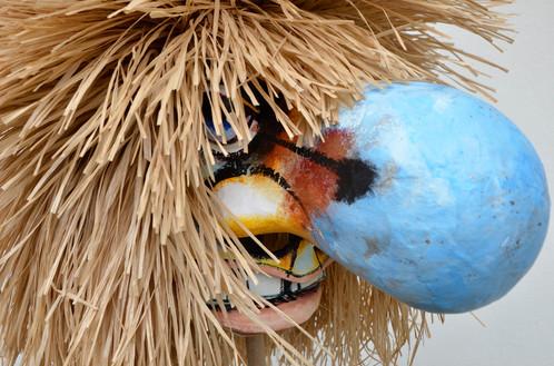 Waggis Larve mit blauer Nase