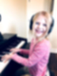 Kids piano lessons in Woodstock, Illinois