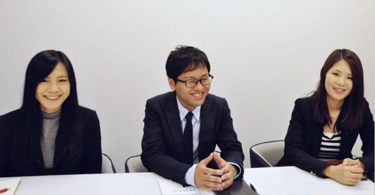 株式会社-ラクーン-小出-浜本-有本-インタビュー-笑顔-女-男-メガネ-ビジネスマン-黒髪