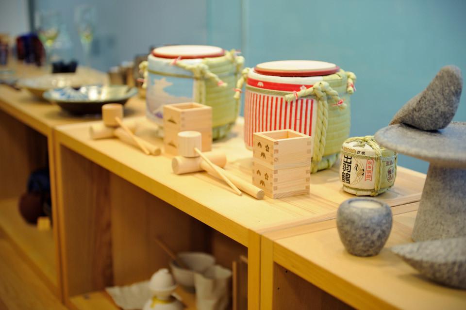 伝統-工芸品-升-尺-酒-出羽鶴-酒樽-棚-木製