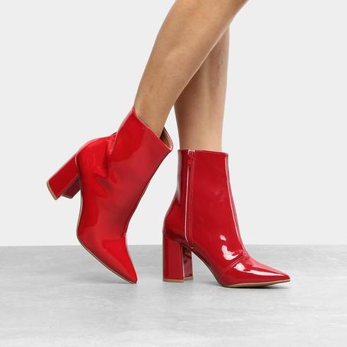 Vermelho para os pés moderninhos