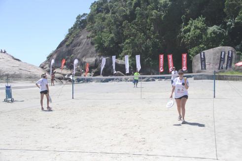 Esporte nas areias de Caiobá