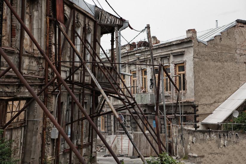 harlauta_georgia_tbilisi_tw_04.jpg