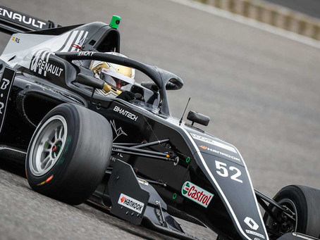 Vicky Piria debuts in Formula Renault Eurocup