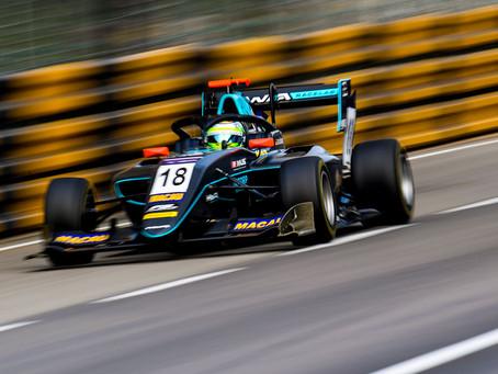 Macau GP: heartbreak for Sophia Floersch as the German retires from main race