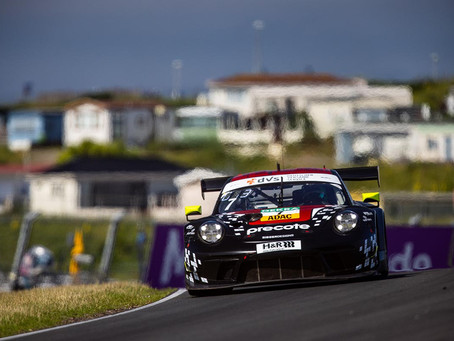 A difficult Weekend for Simona de Silvestro in ADAC GT Masters