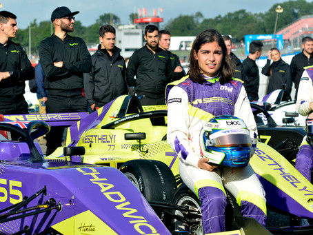 Jamie Chadwick closes in on title with crucial pole at Brands Hatch