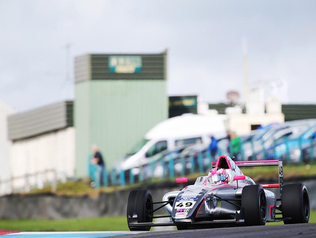 British F4: Mixed weekend  for Abbi Pulling at Knockhill