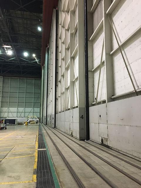 American_Airlines_Hangar.JPG