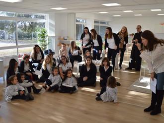 Visitan Montessori las alumnas de la Escuela Alcazarén de Valladolid