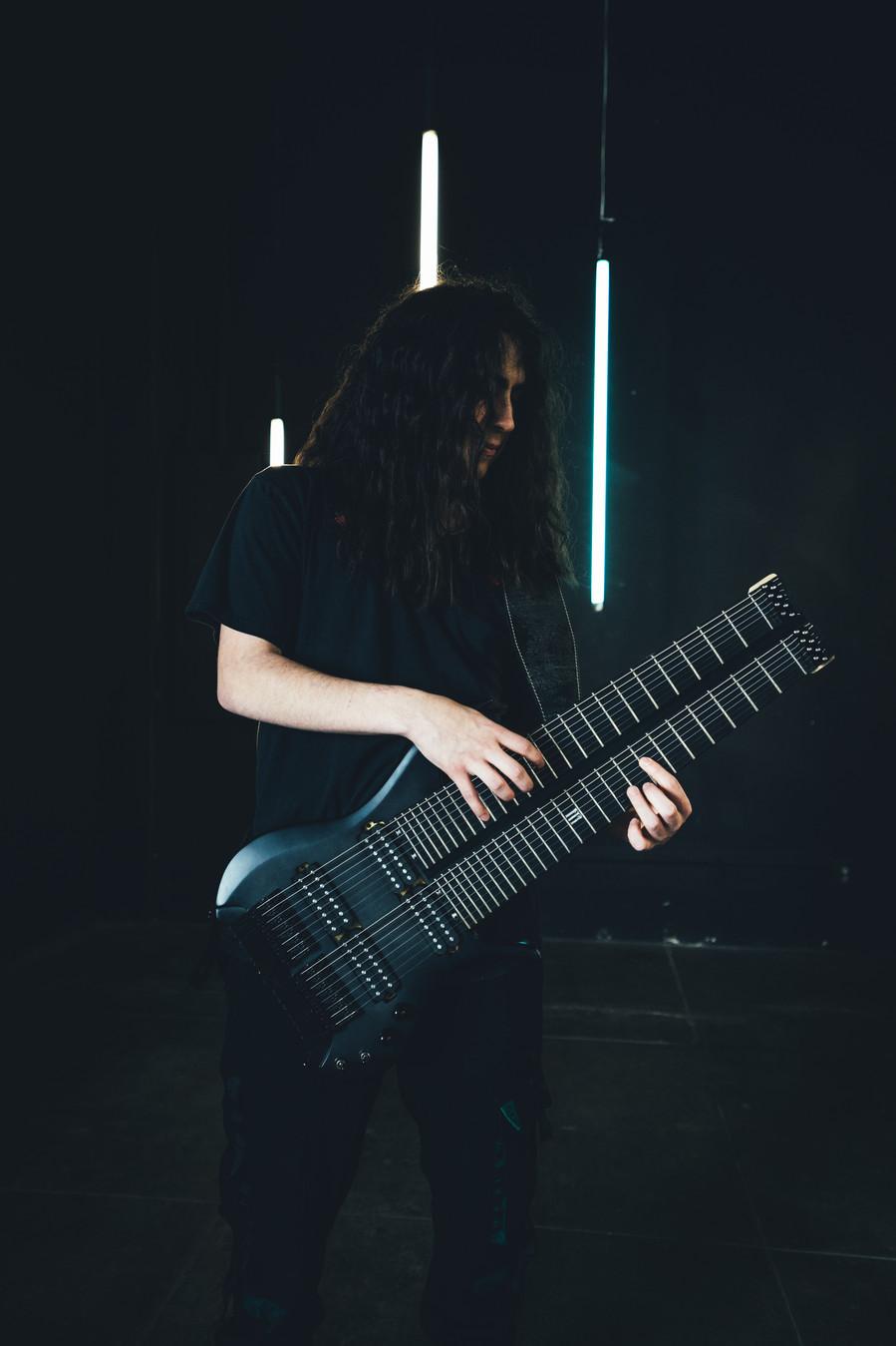 Hedras Black guitar-12.jpg
