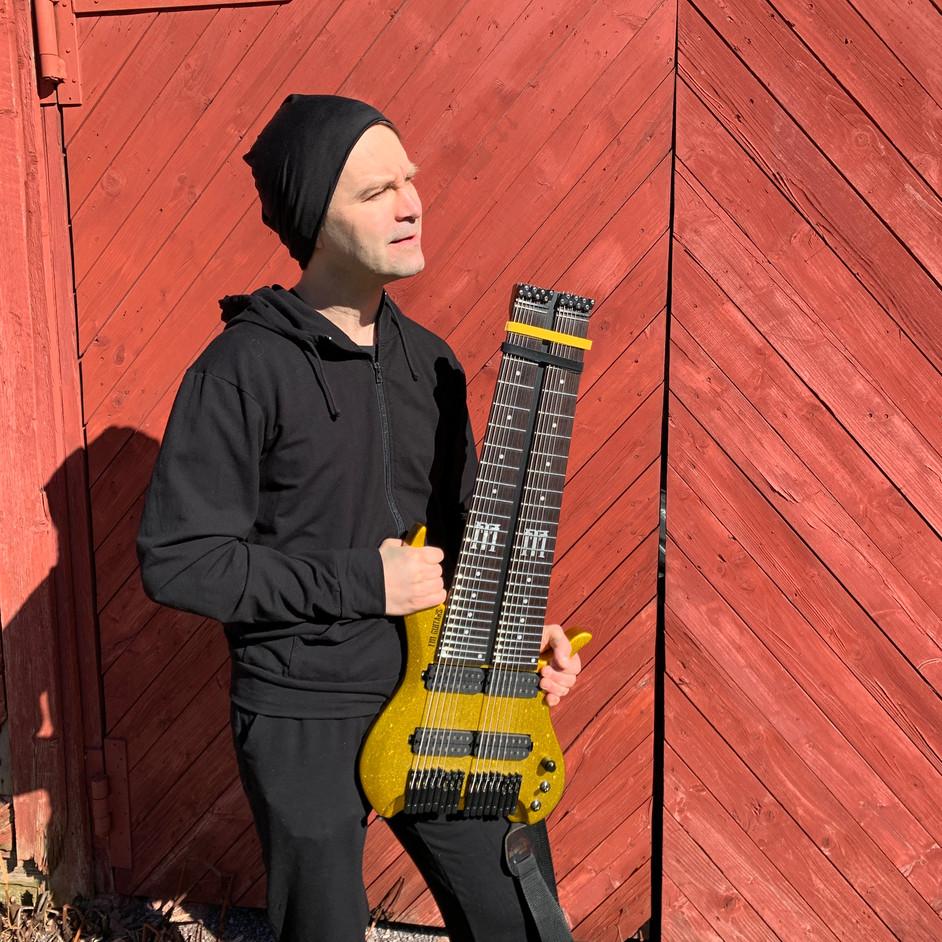 henri alto fm guitars2.jpeg