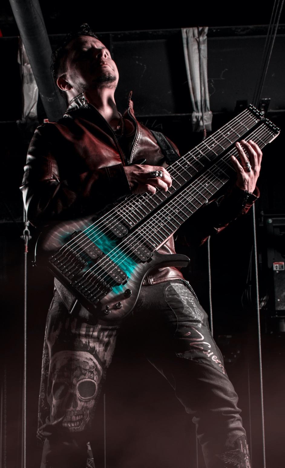 diego guerra fm guitars2_edited.jpg