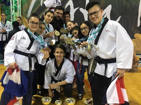 CR. se alza con el título en la modalidad de Poomsae en el Open de Taekwondo